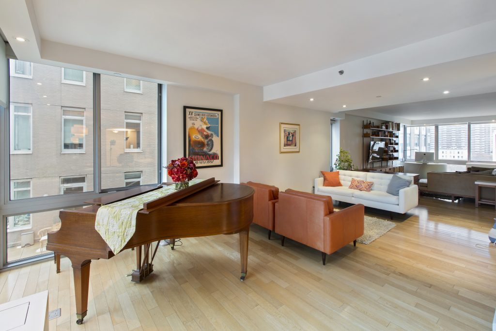 Mission title luxury listing roomy condo in upper west for T mobile upper west side